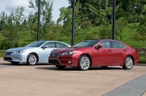 Watch Video: 2013 Lexus ES 350 and 300h